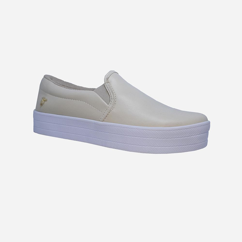 Sapato Slip On bico redondo sola alta