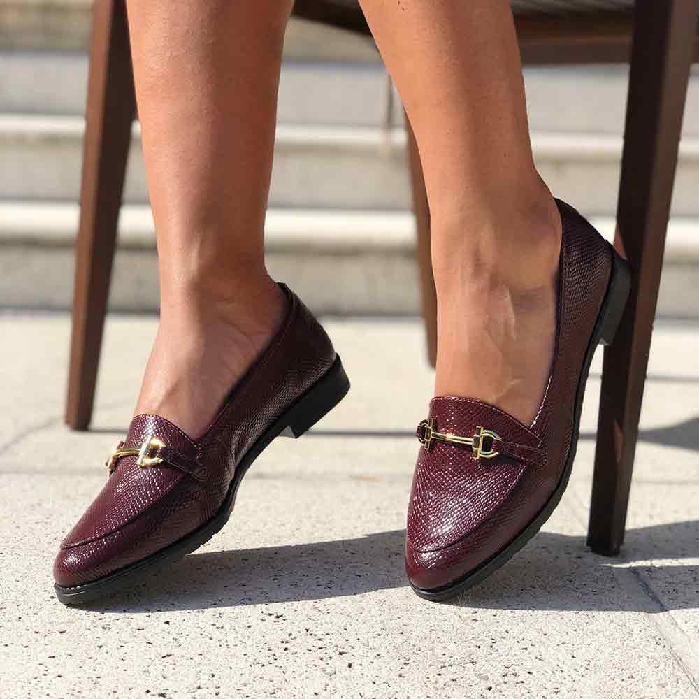 Sapato Slipper salto baixo com bico redondo