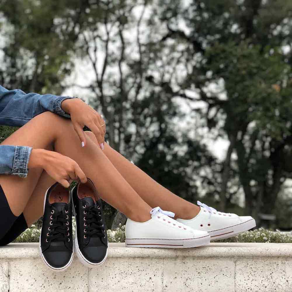 Tênis sola média bico redondo