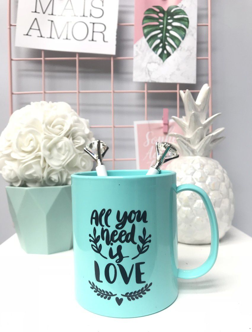 Caneca All you need is love Turquesa