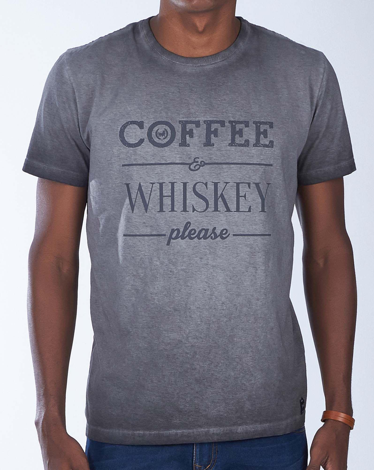 CAMISETA COFFEE E WHISKEY PLEASE