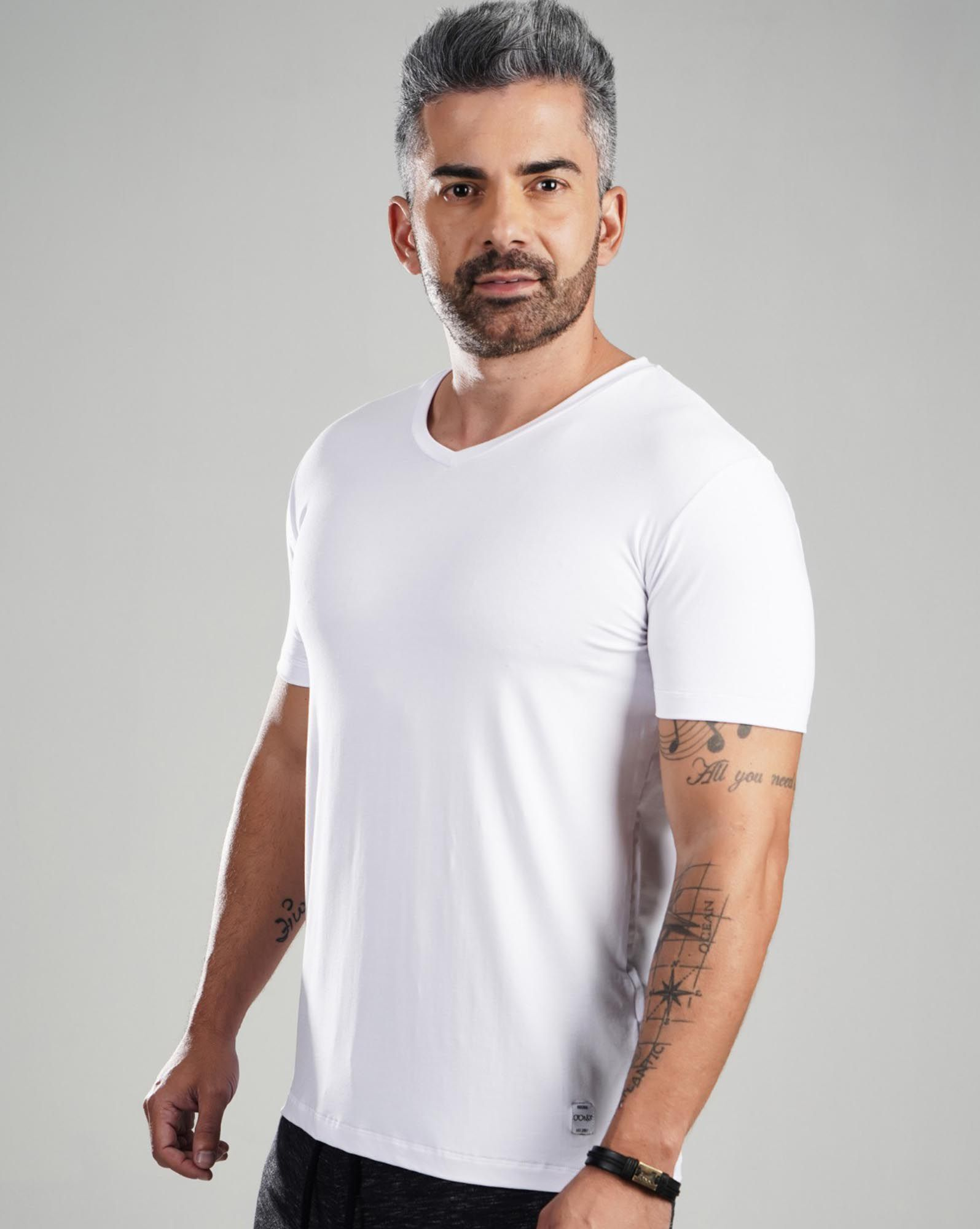 CAMISETA V WHITE TOP