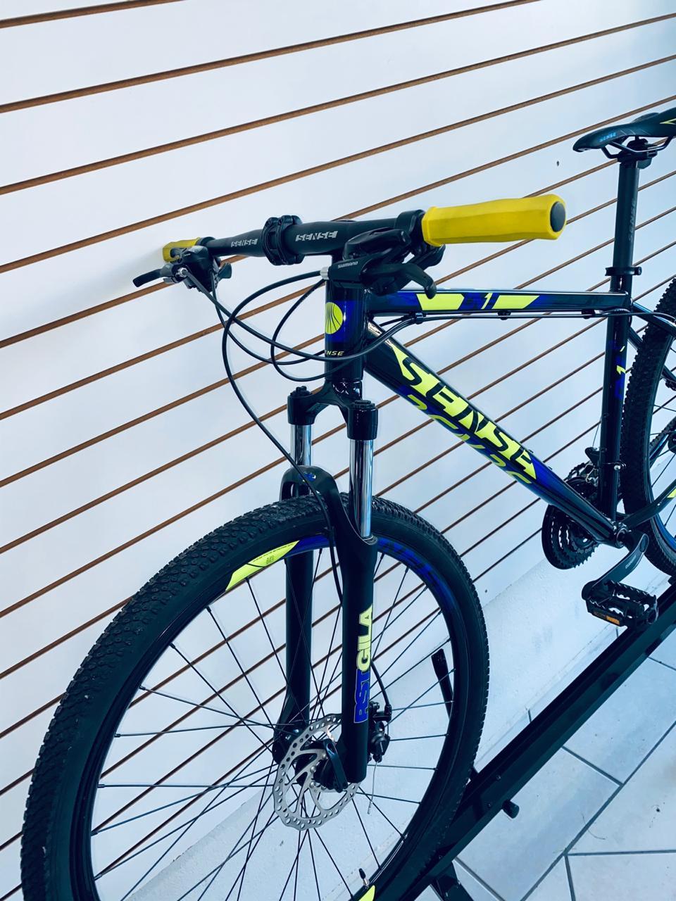 BICICLETA 29 SENSE ONE 21V TOURNEY TAM. 19 PRETO/AMARELO/AZUL