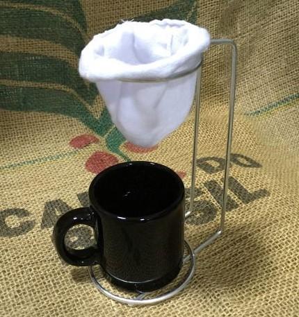 Kit 1 Café 100% Arábica e 1 Café 100% Conilon  2 Coadores de Pano e 2 Canecas