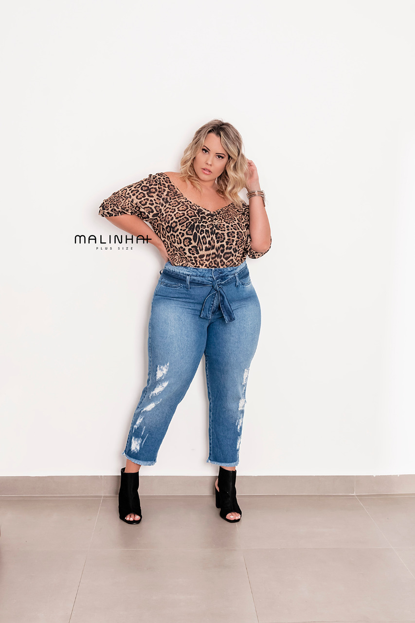 CALÇA PLUS SIZE MOM