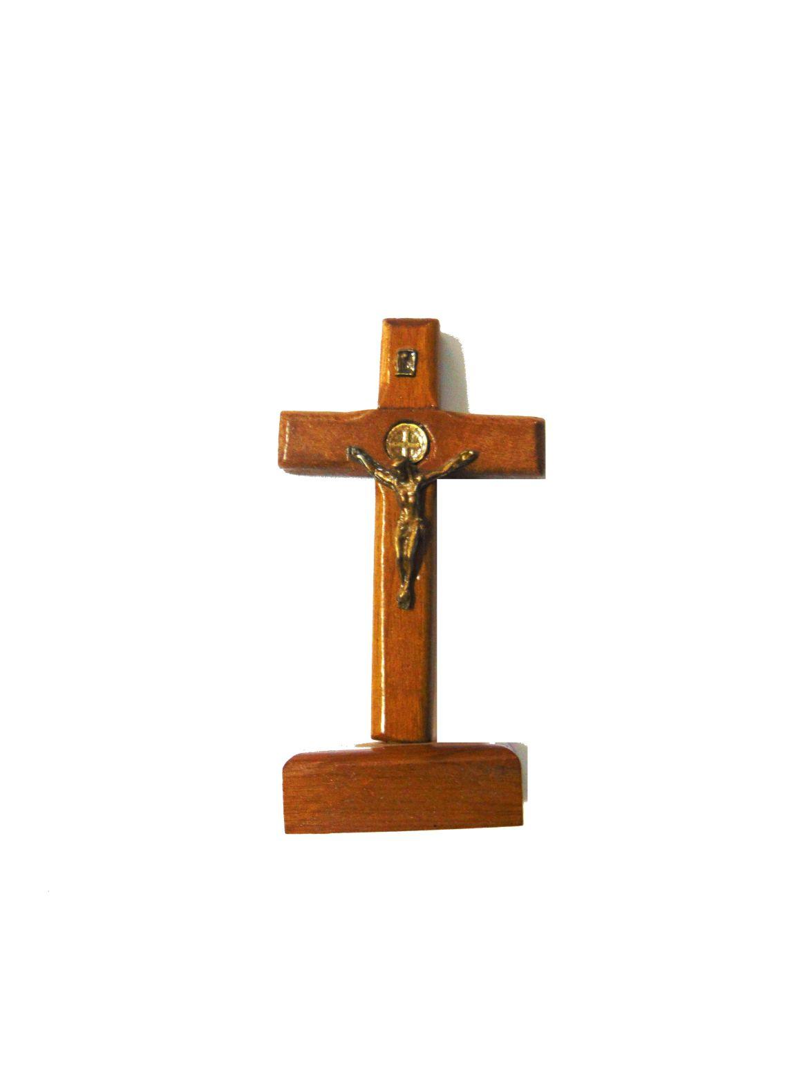 Crucifixo de Mesa - 25 cm - em Madeira Contornado com Medalha de São Bento