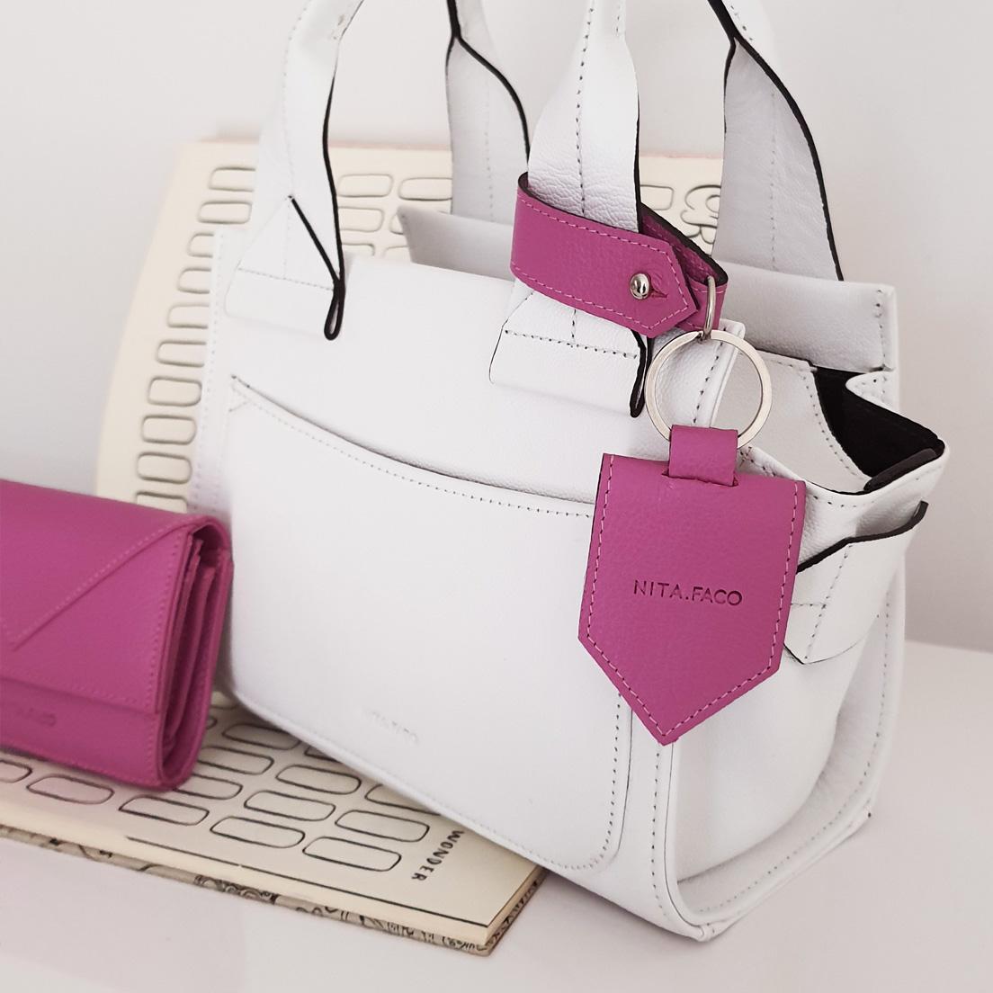 Chaveiro de Couro Relicário Pink