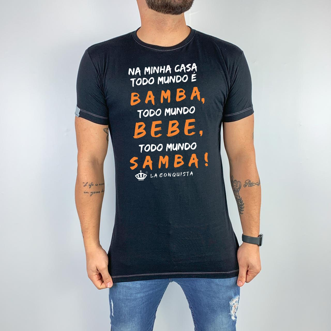 Camiseta Na minha casa todo mundo samba