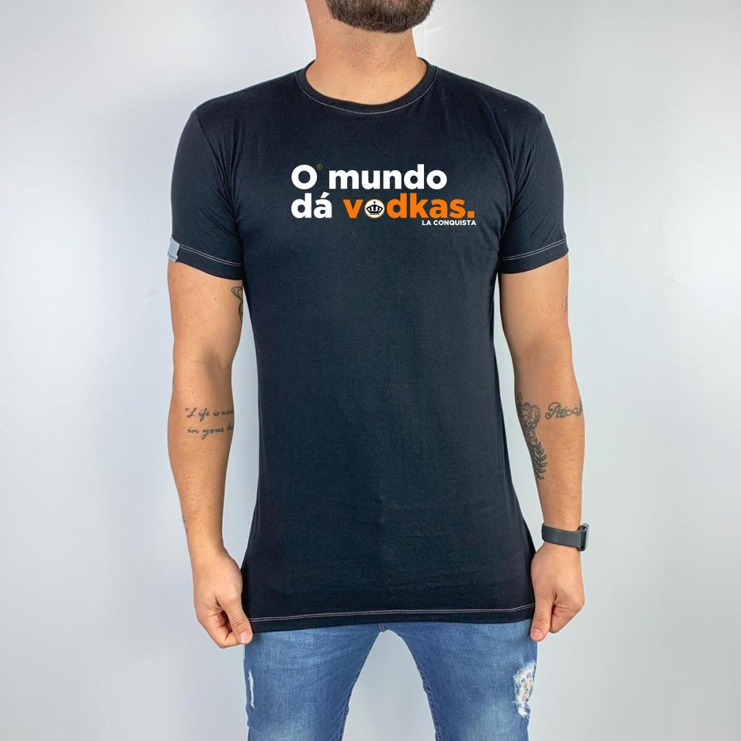 Camiseta O mundo dá vodkas.