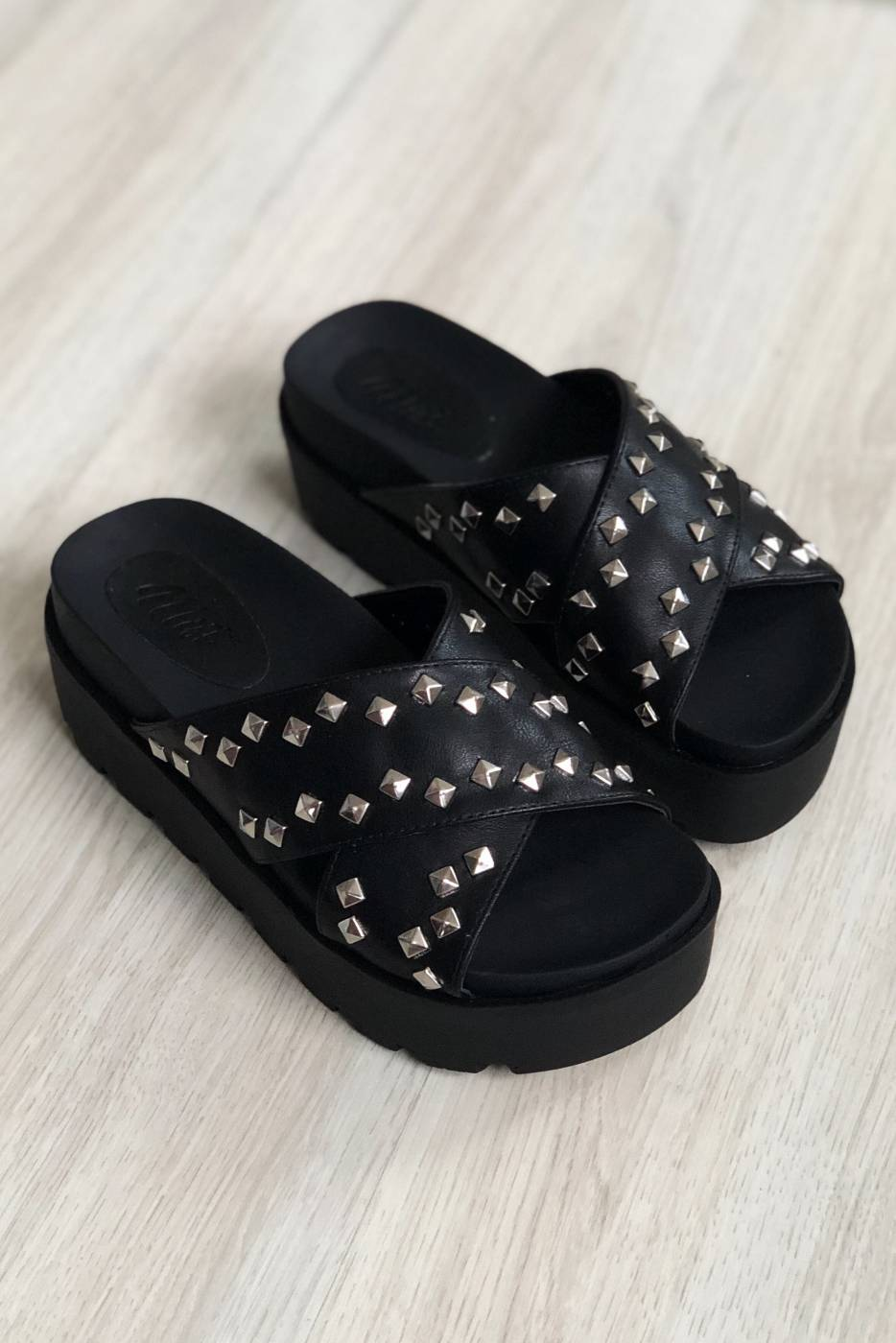 Tamanco Capri Black