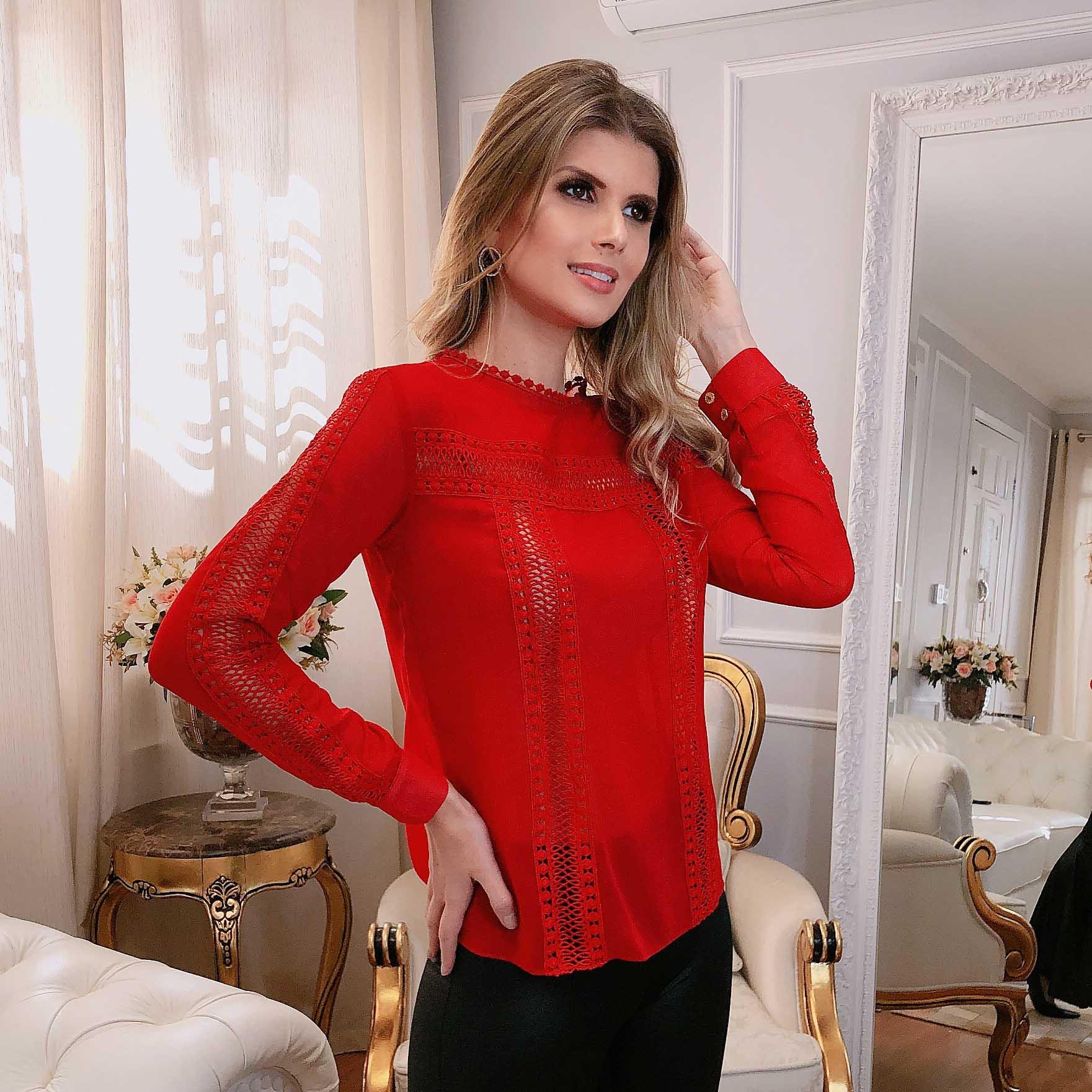 Blusa Vermelha Manga Longa Bordado Vazado