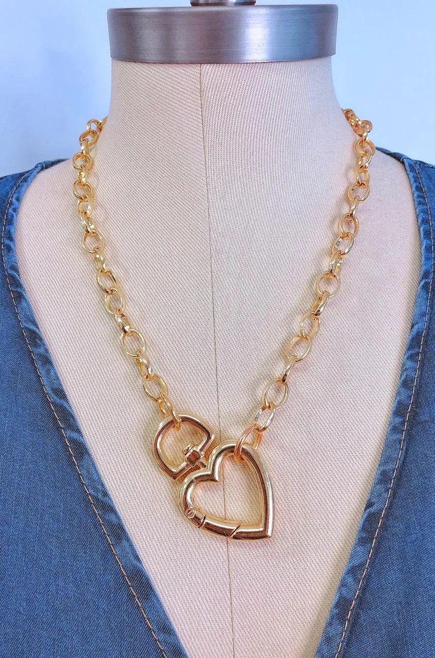 Colar Metal Dourado Fechamento Coração