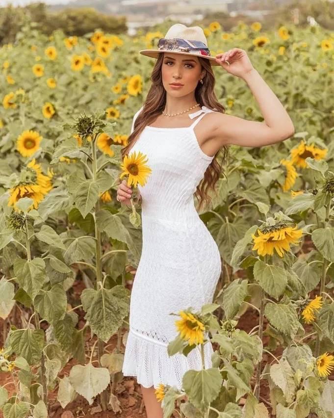 Vestido de Tricot com Lastex e Alças Ajustáveis Branco