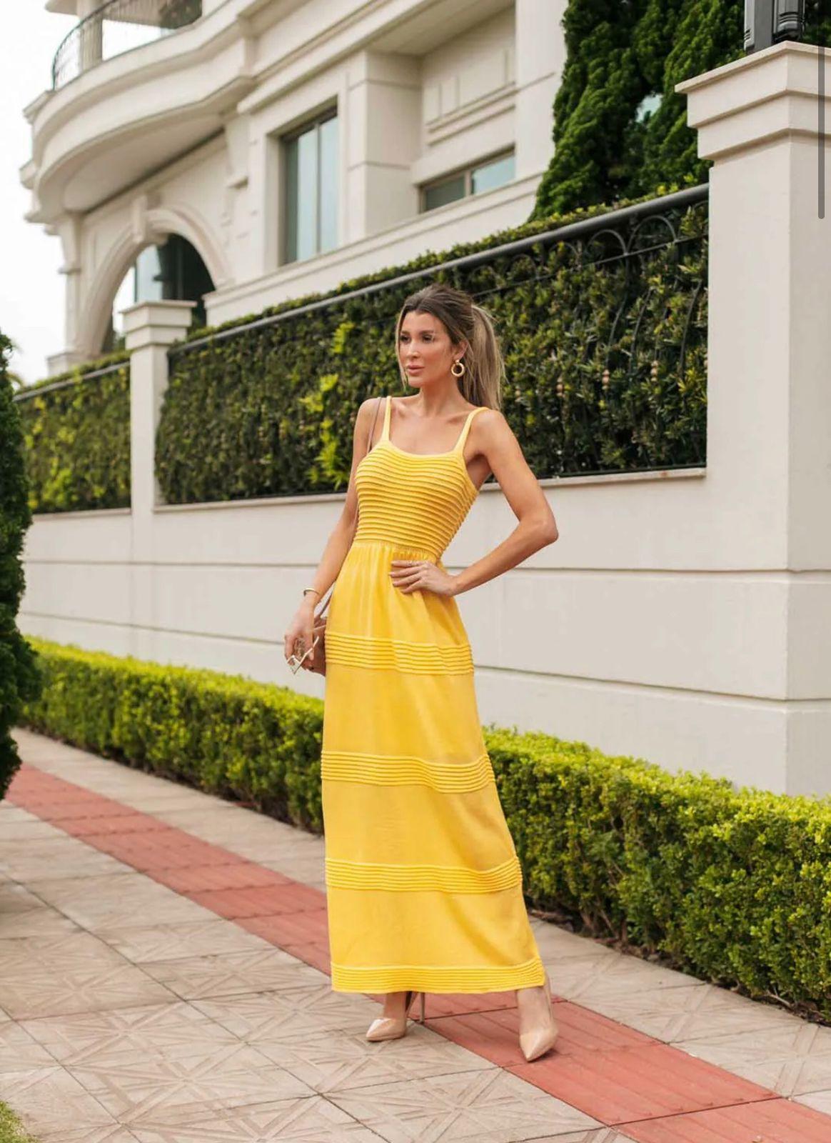 Vestido de Tricot Modal Longo de Alças Amarelo