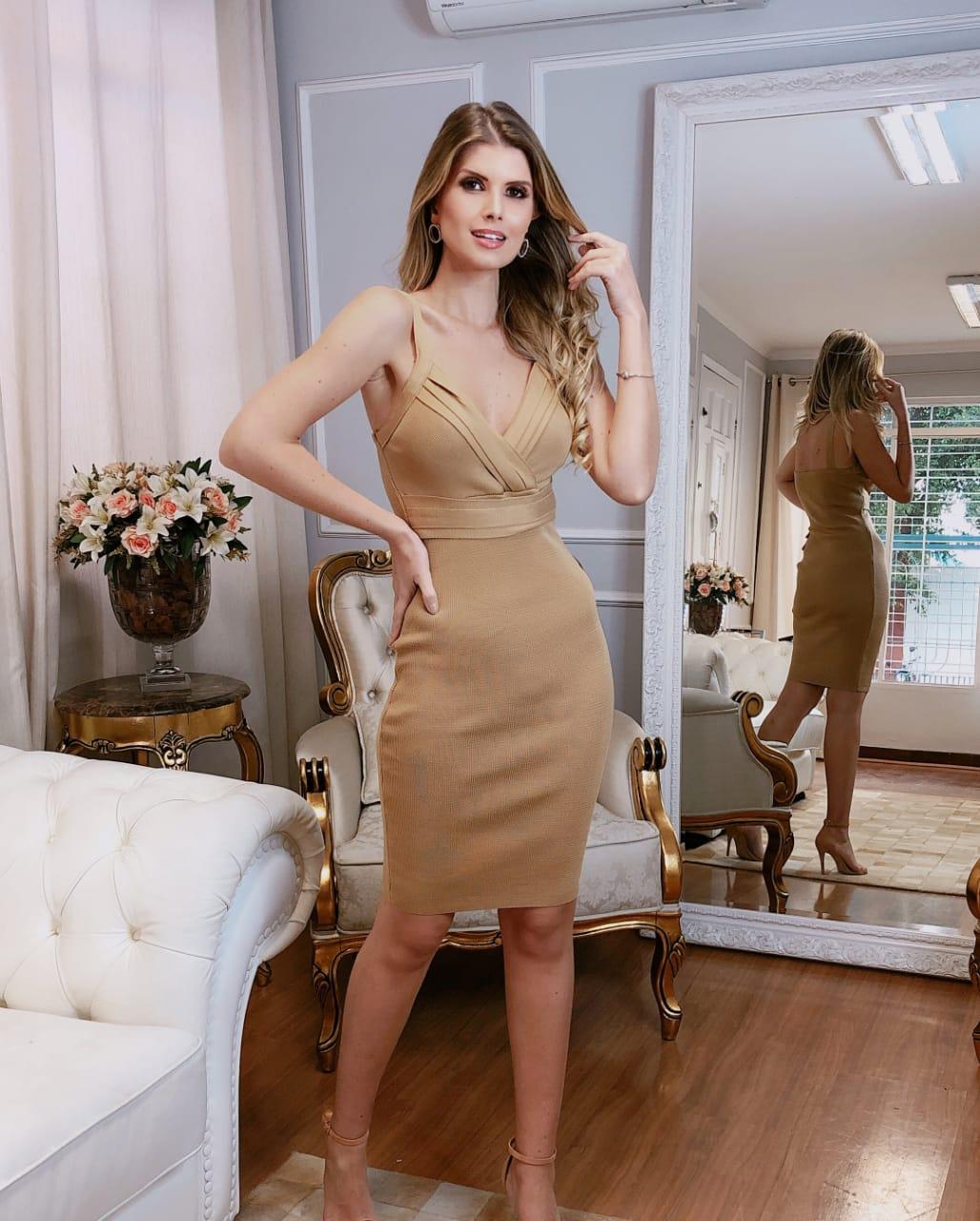 Vestido de Tricot Rayon com Decote V
