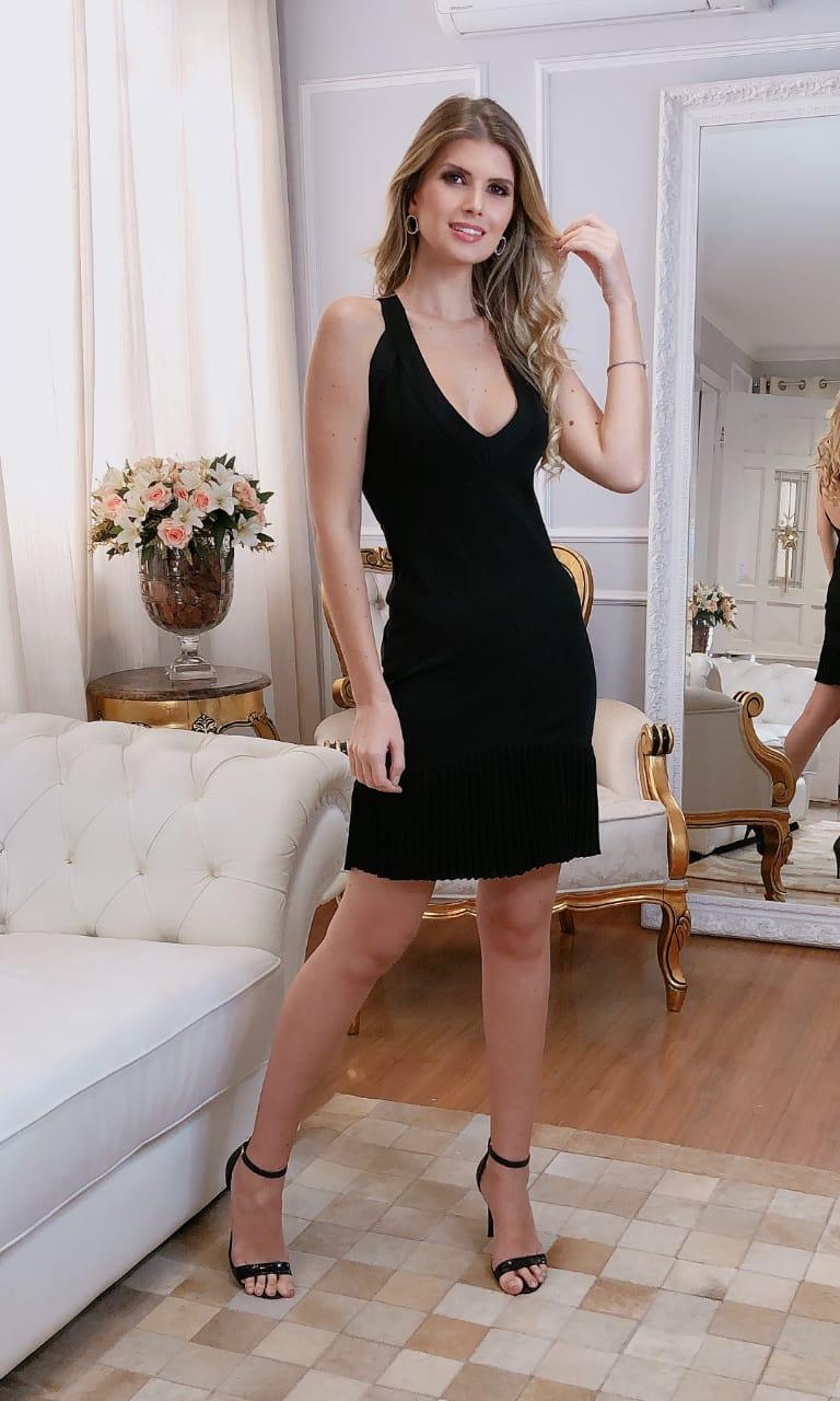 Vestido de Tricot Rayon Curto Preto