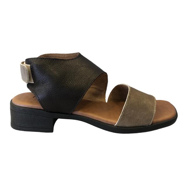 Sandália em Couro FL020