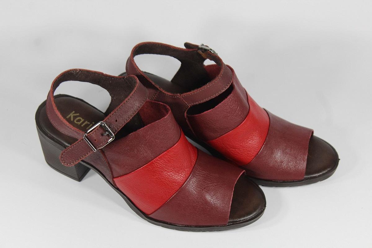 Sandália em Couro Vermelho/Bordô LD089
