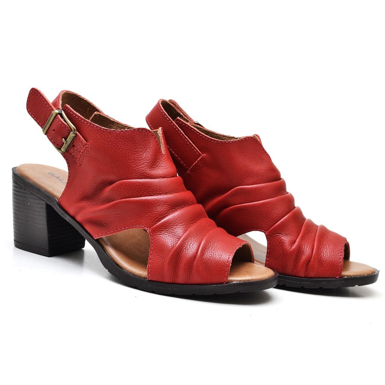 Sandália em Couro Vermelha LD048
