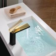 Misturador Monocomando Para Lavatório Acabamento Preto e Dourado
