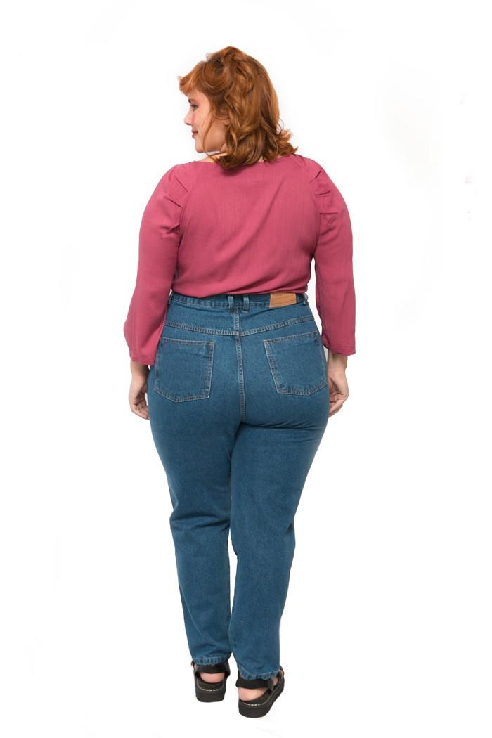Calça MOM jeans plus size azul tradicional