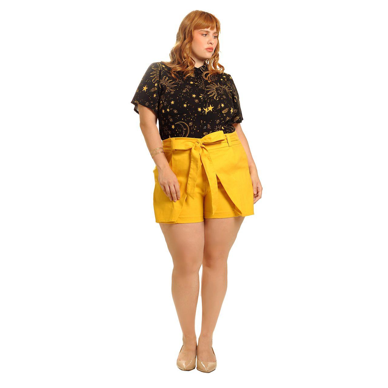 Short saia alfaiataria amarelo mostarda plus size
