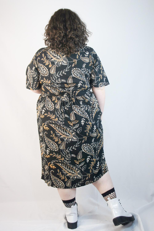 Vestido midi black & gold plus size
