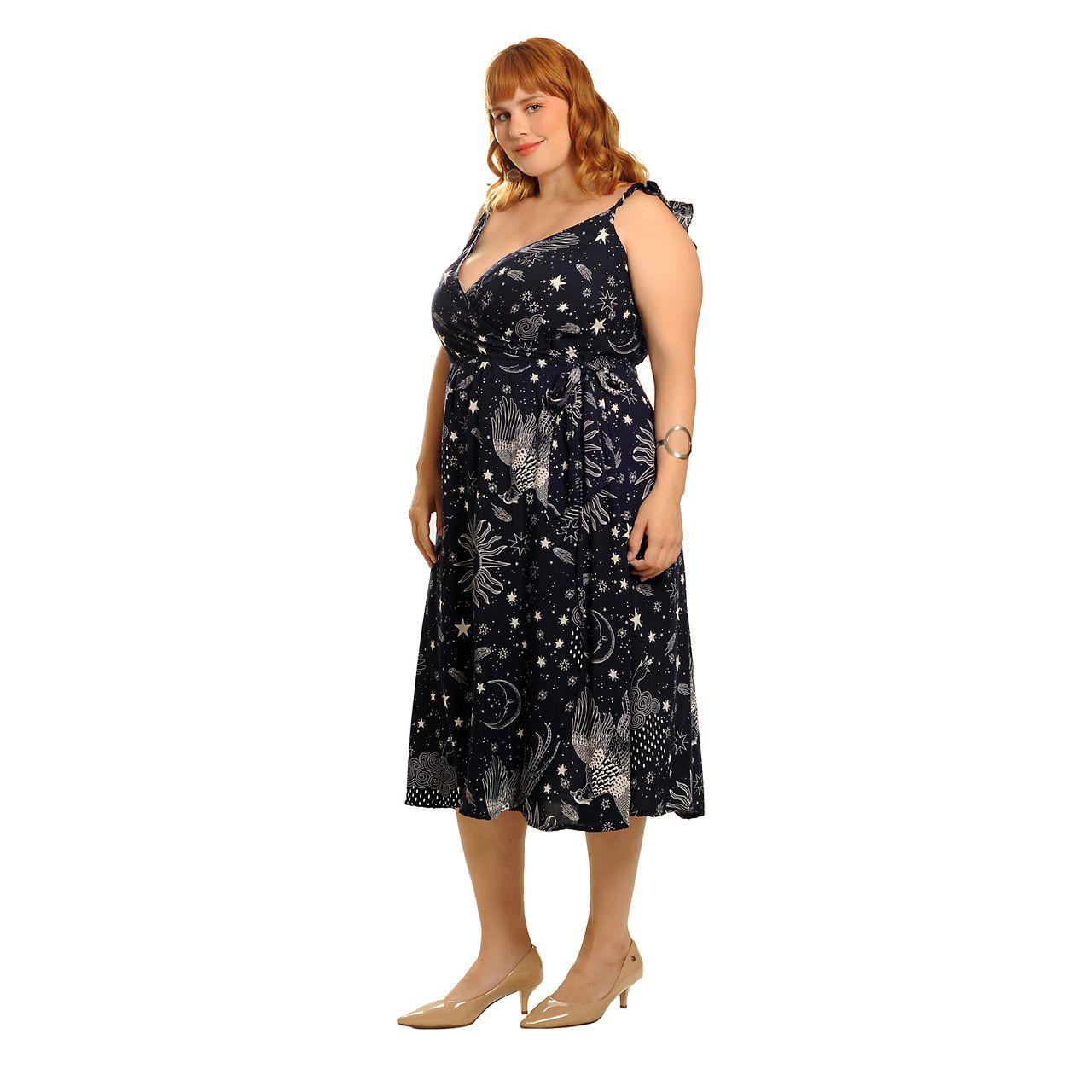 Vestido transpassado cosmic azul plus size