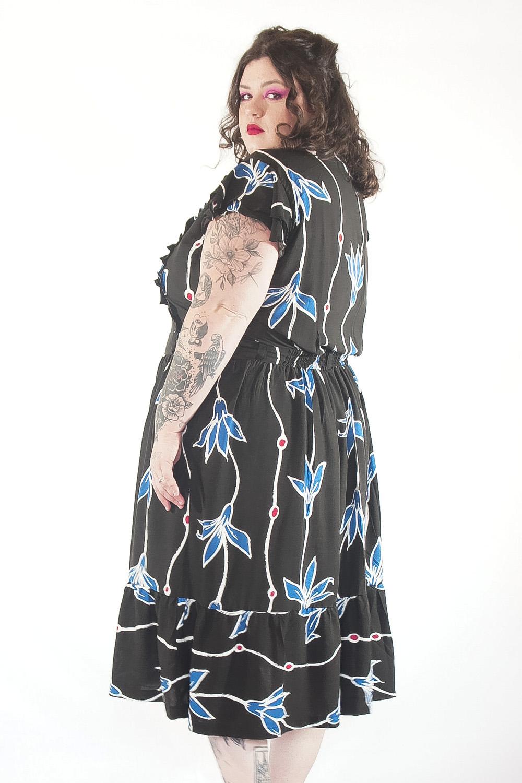 Vestido Vintage jardim azul plus size