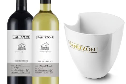 Duas garrafas de vinho Cabernet Sauvignon, Merlot ou Moscato Giallo Panizzon + Balde de Gelo Panizzon