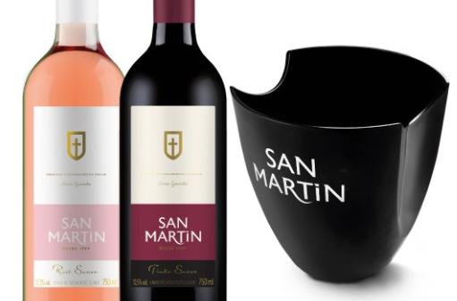 Duas garrafas de vinho de Mesa + Balde de Gelo