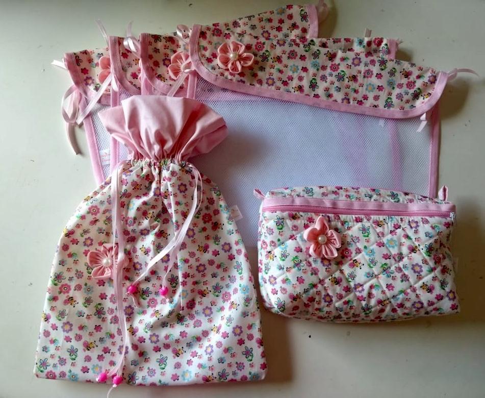 Kit  saquinhos maternidade + saquinho roupas sujas + necessaire