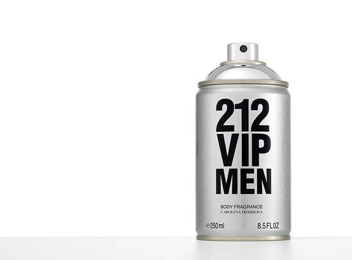 Carolina Herrera 212 Vip Men Body Spray 250ML