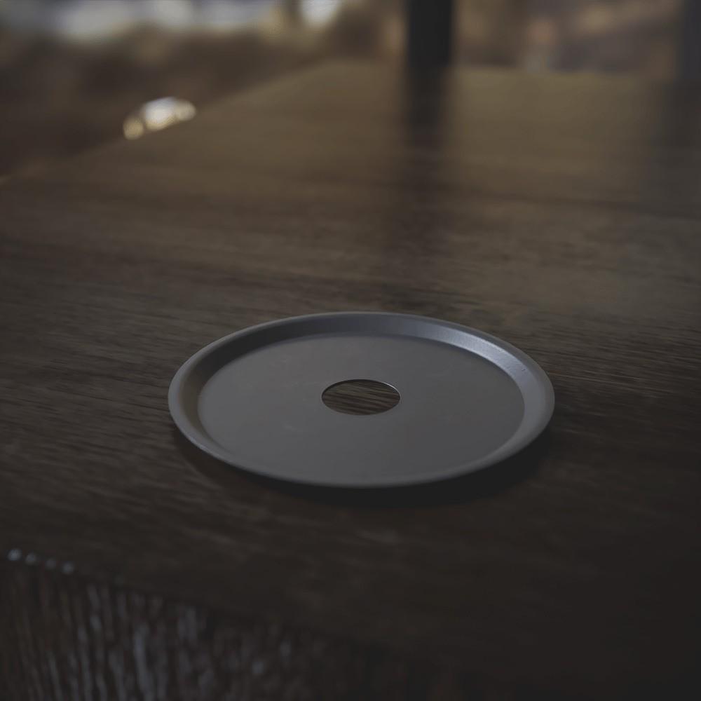 kit Abafador Branco Pequeno/Médio  e Prato Preto em Alumínio com Design Moderno e Minimalista - Cosmic