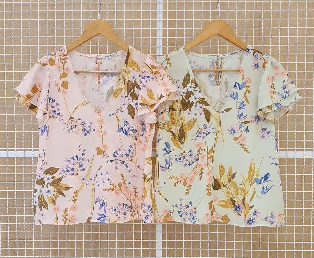 Blusa Milalai Crepe Floral Decote V e Manga Dupla Moda Evangélica