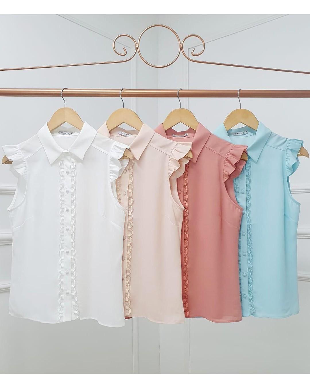 Camisa Manga Curta em Crepe com Guipir e Botões Milalai