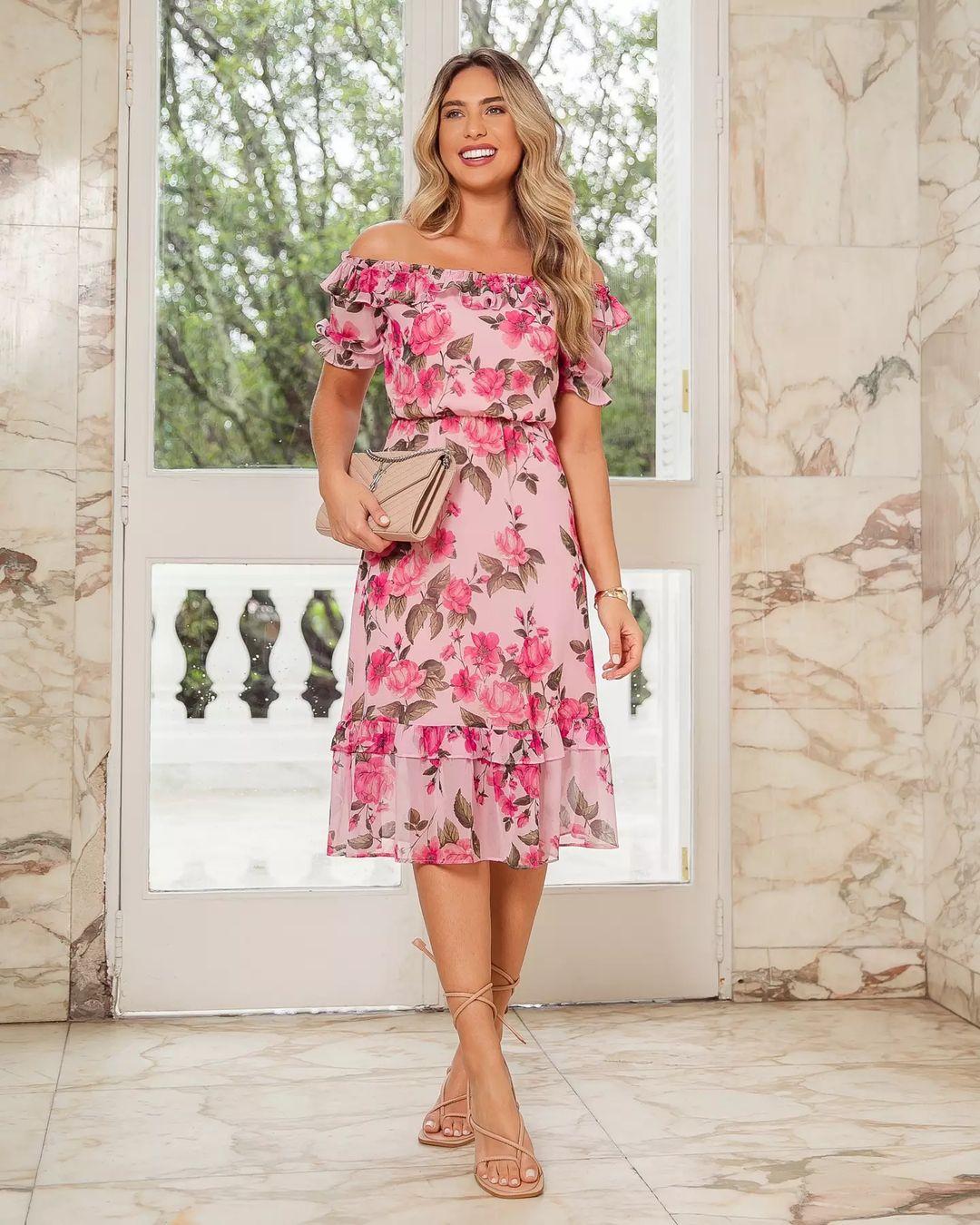 Vestido Ciganinha Soltinho em Chiffon Floral Doce Flor