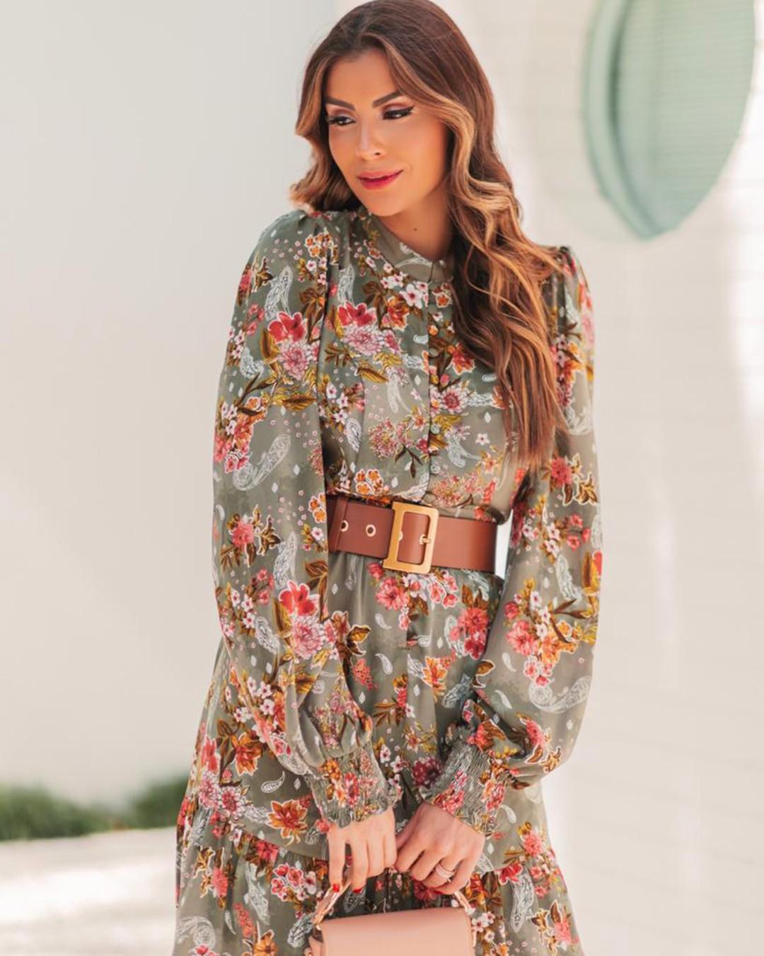 Vestido Curto Crepe Floral c/ Botões e Manga Longa Lastex Nanaminze