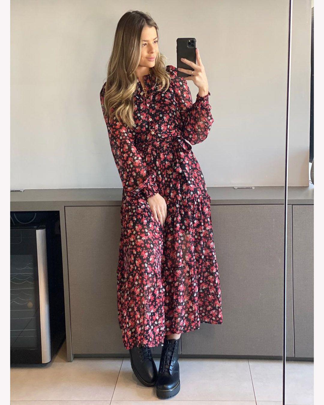 Vestido Midi Chiffon Floral Botões e Manga Longa Nanaminze