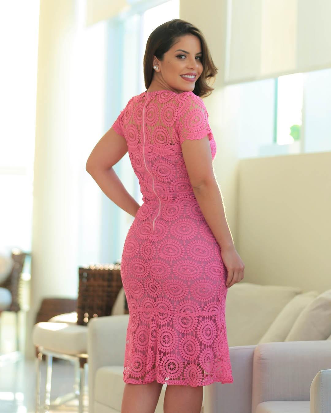 Vestido Midi em Guipir Rosa Az Irmãs Paola Santana