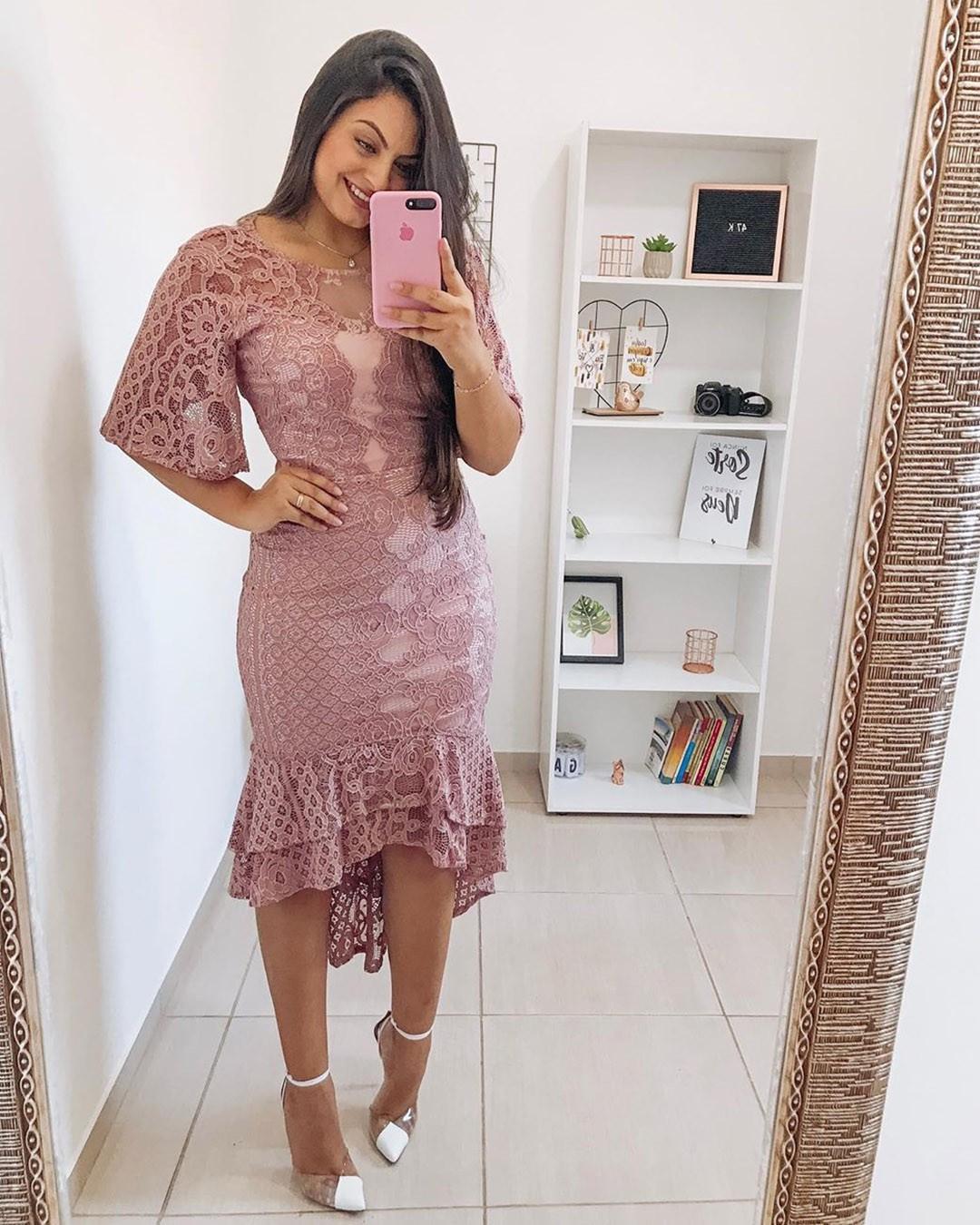 Vestido Midi em Renda Rosê Az Irmãs Moda Evangélica