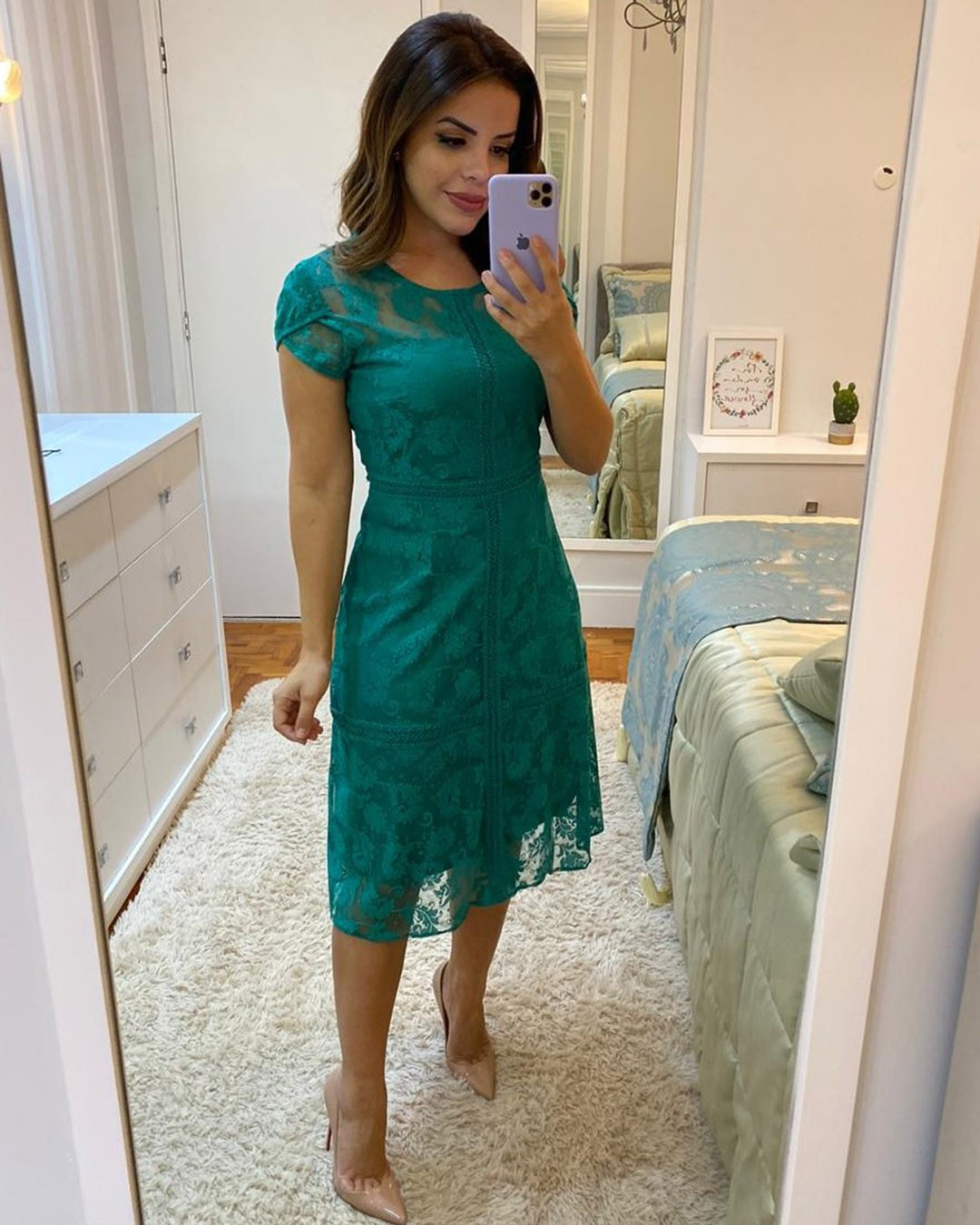 Vestido Midi Evasê em Renda Verde Plus Size Az Irmãs