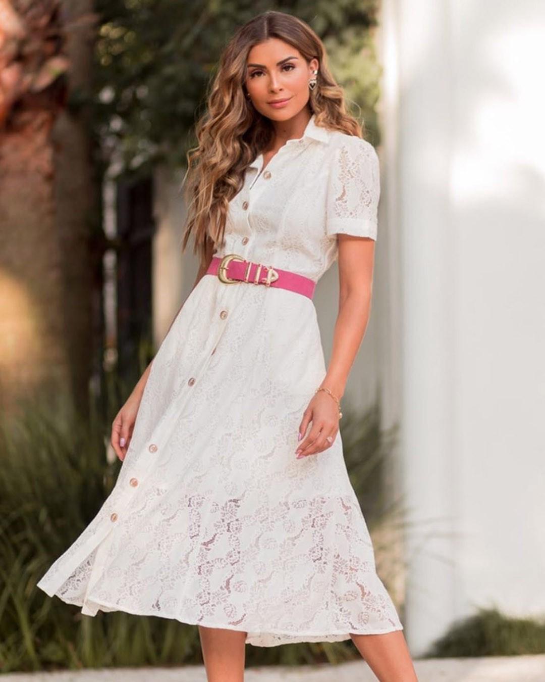 Vestido Midi Evasê em Renda com Botões Nanaminze Ariane