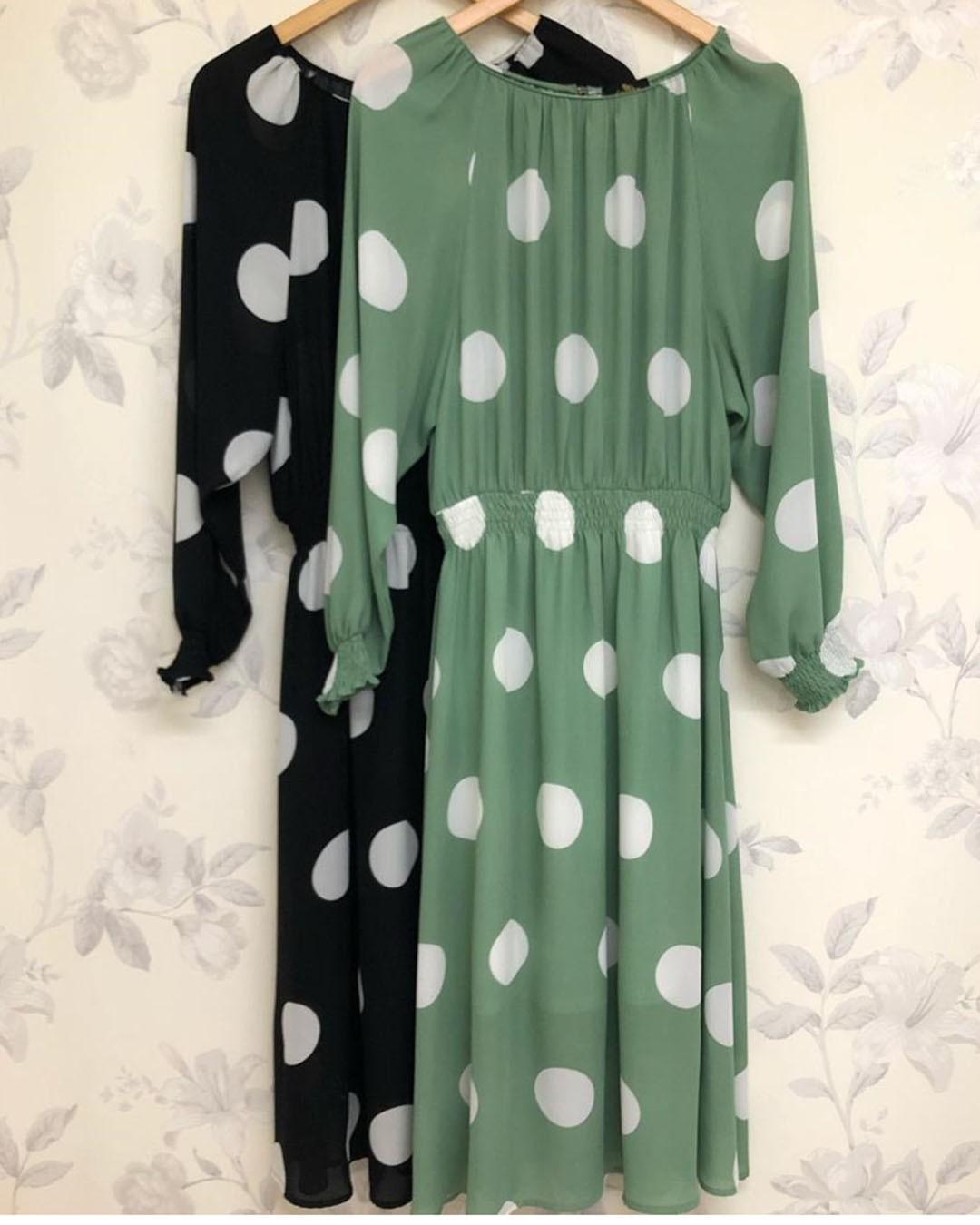 Vestido Midi Godê Verde com Poá Manga Longa Doce Flor