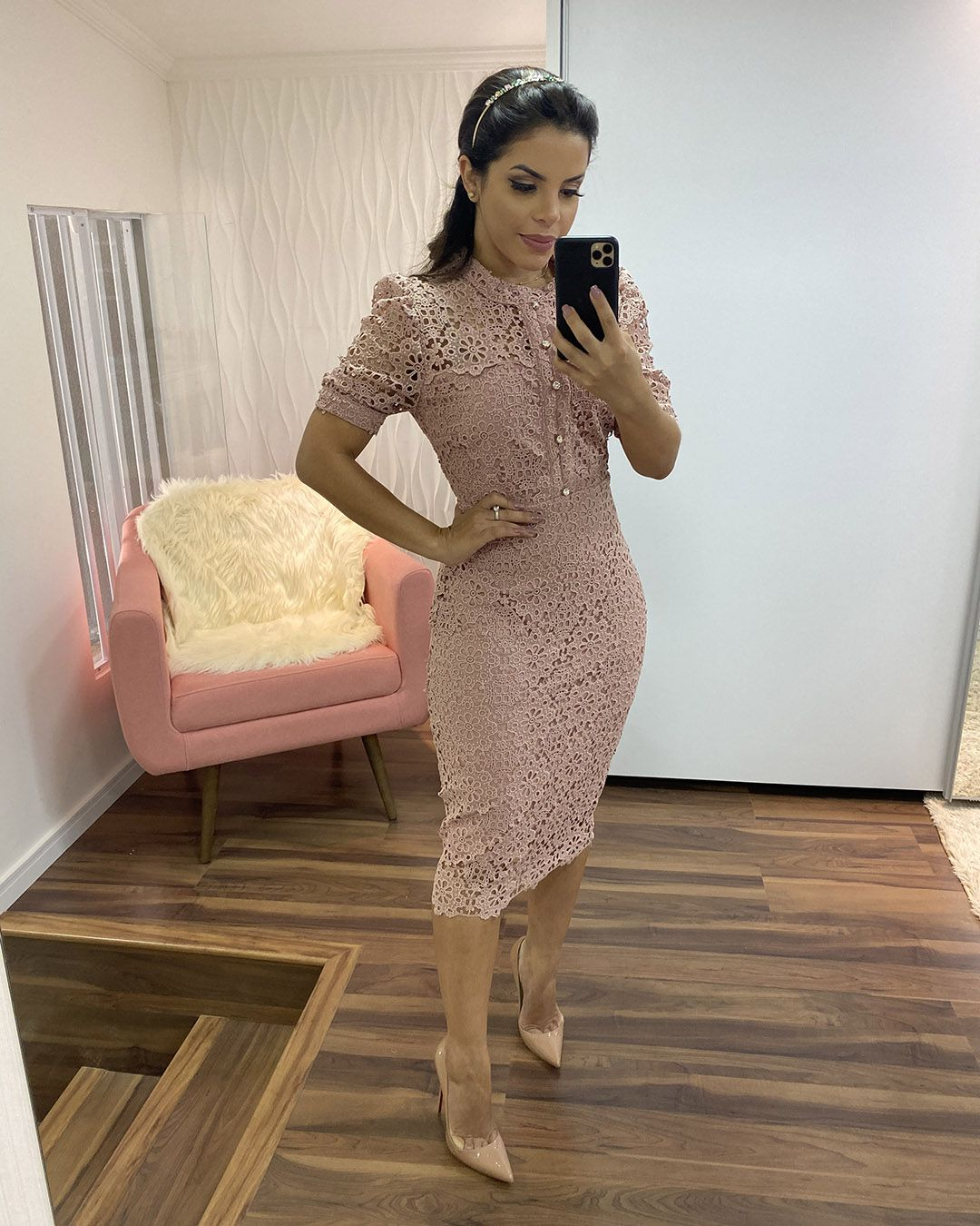 Vestido Midi Guipir Rosê com Manga Bufante Plus Size Az Irmãs