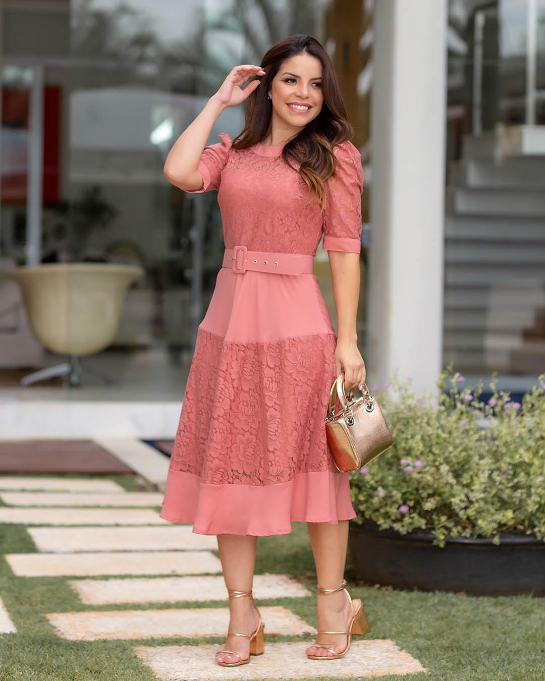 Vestido Midi Lady Like com Renda Rosê Az Irmãs Paola Santana