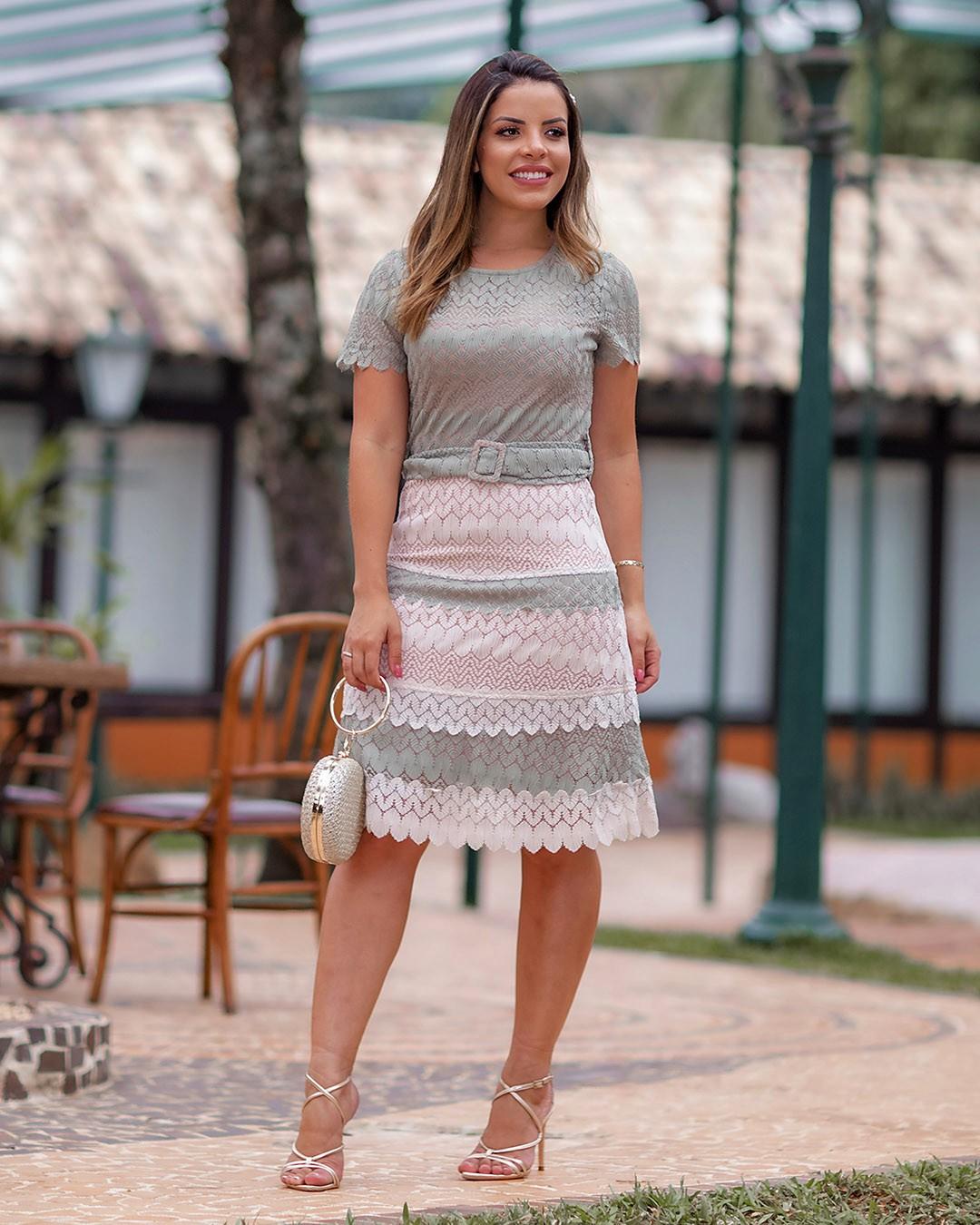 Vestido Evasê em Renda Bicolor Az Irmãs Moda Evangélica
