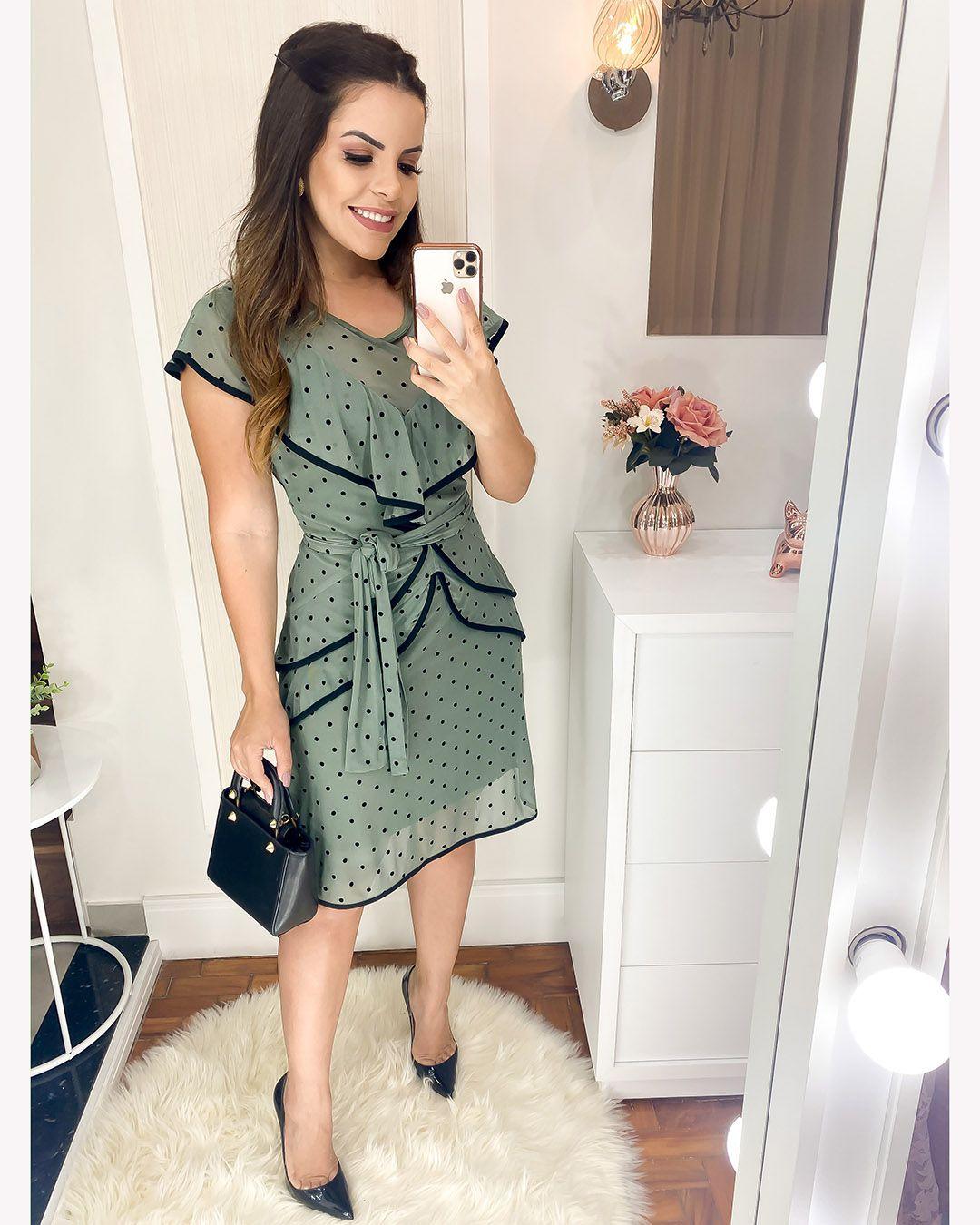 Vestido Tule de Poá com Folhos Verde Az Irmãs Moda Evangélica