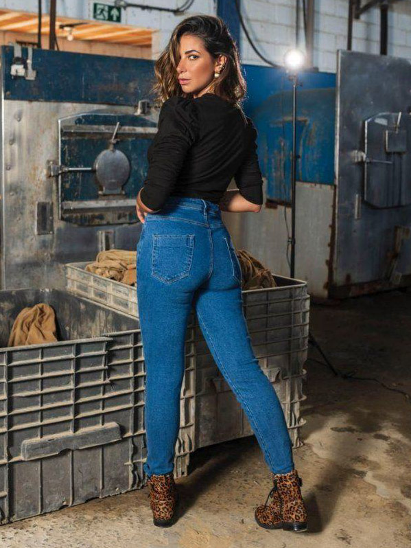 Calça Jeans Destroyed Beca - Lavagem Escura