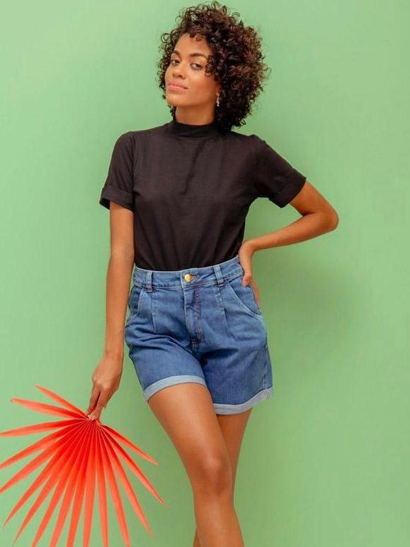 Camiseta T-shirt Alicia - Preto